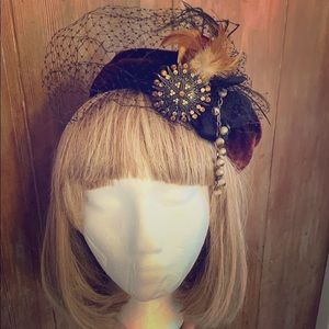 1940's Vintage pill box hat with veil